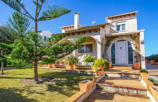 Villa mit Meerblick in Puerto Adriano | Ref.: 12009