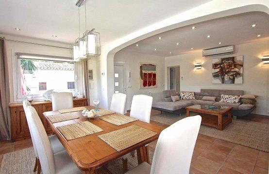Frisch Renovierte Kleine Villa in Bestlage in El Toro    Ref.: 11741