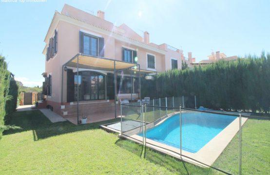 Doppelhaus mit Pool und Meerblick   Ref.: 12304
