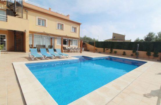 Villa mit Lizenz zum Vermieten und Meerblick | Ref.: 12306