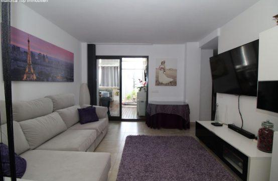 Schöne Wohnung mit großer Terrasse   Ref.: 12331