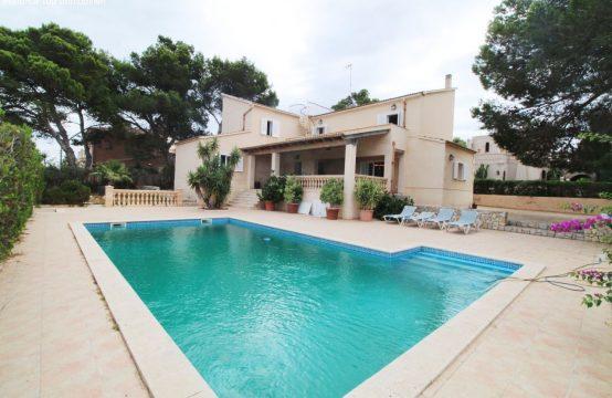 Schöne Villa mit Pool und Meerblick | Ref.: 12335