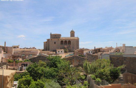 Renovierungsbedürftiges Stadthaus mit Blick auf die Kirche Sant Miquel | Ref.: 12467