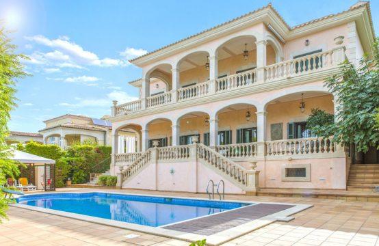 Luxusvilla der Extraklasse in 1. Meereslinie | Ref.: 12358