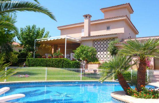 Superschöne Villa mit großem Grundstück | Ref.: 12369