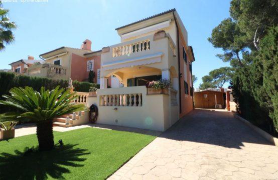Modernisierte Doppelhaushälfte mit vielen Extras | Ref.: 12393