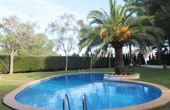 Günstige Wohnung mit Carport und  Pool | Ref.: 12404