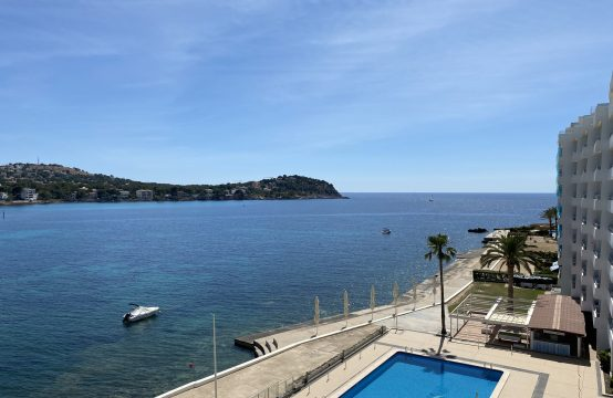 NEU RENOVIERTES APARTMENT IN 1.MEERESLINIE IN SANTA PONSA  | Ref.: 12587