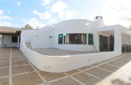 Stattliche Villa im mediterranen Stil. | Ref.: 12264