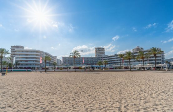 Apartment 1. Linie Meer top Zustand Magaluf   Ref.: 11935