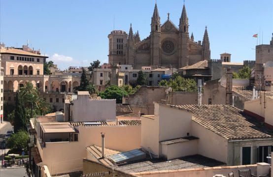Stadthaus mit 4 Wohnungen und Ladenlokal in Palma | Ref.: 12878